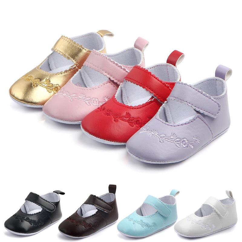 2019 Baby Girls Vintage Princess Shoes Embroidery Moccasins Leather Crib  Shoes First Walkers Infant Toddler Soft Sole Anti Slip Shoes For 0 18M From  ... 39008fef6
