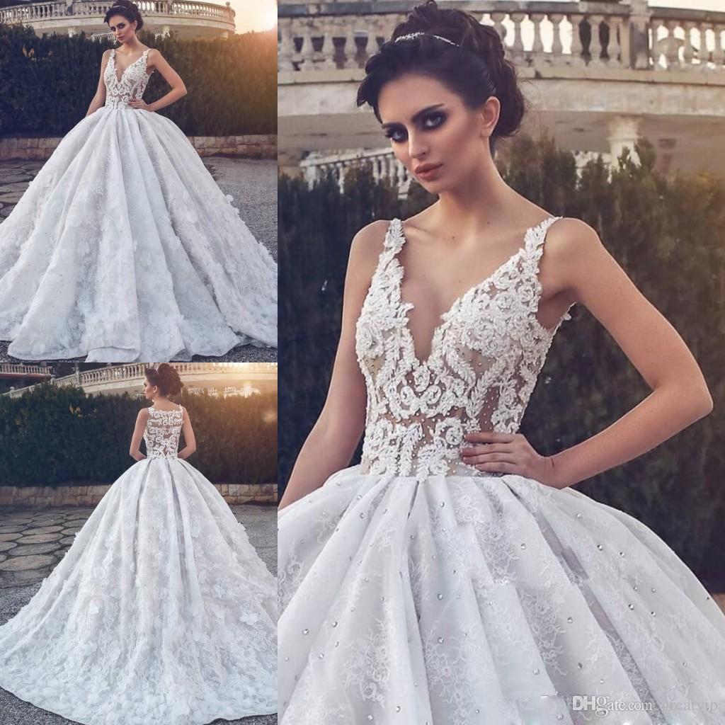2019 Robes De Mariée De Luxe Robe De Mariage Col En V Perles Dentelle 3d Appliques Florales Balayage Train Plus La Taille Robes De Mariée Robe De