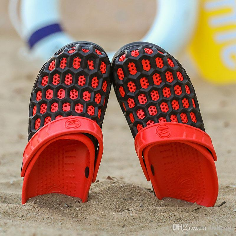 Summer designer slippers sandals beach sandals Hollow Lightweight Breathable Casual Shoes s Mesh Hole Shoes luxury brand sandals
