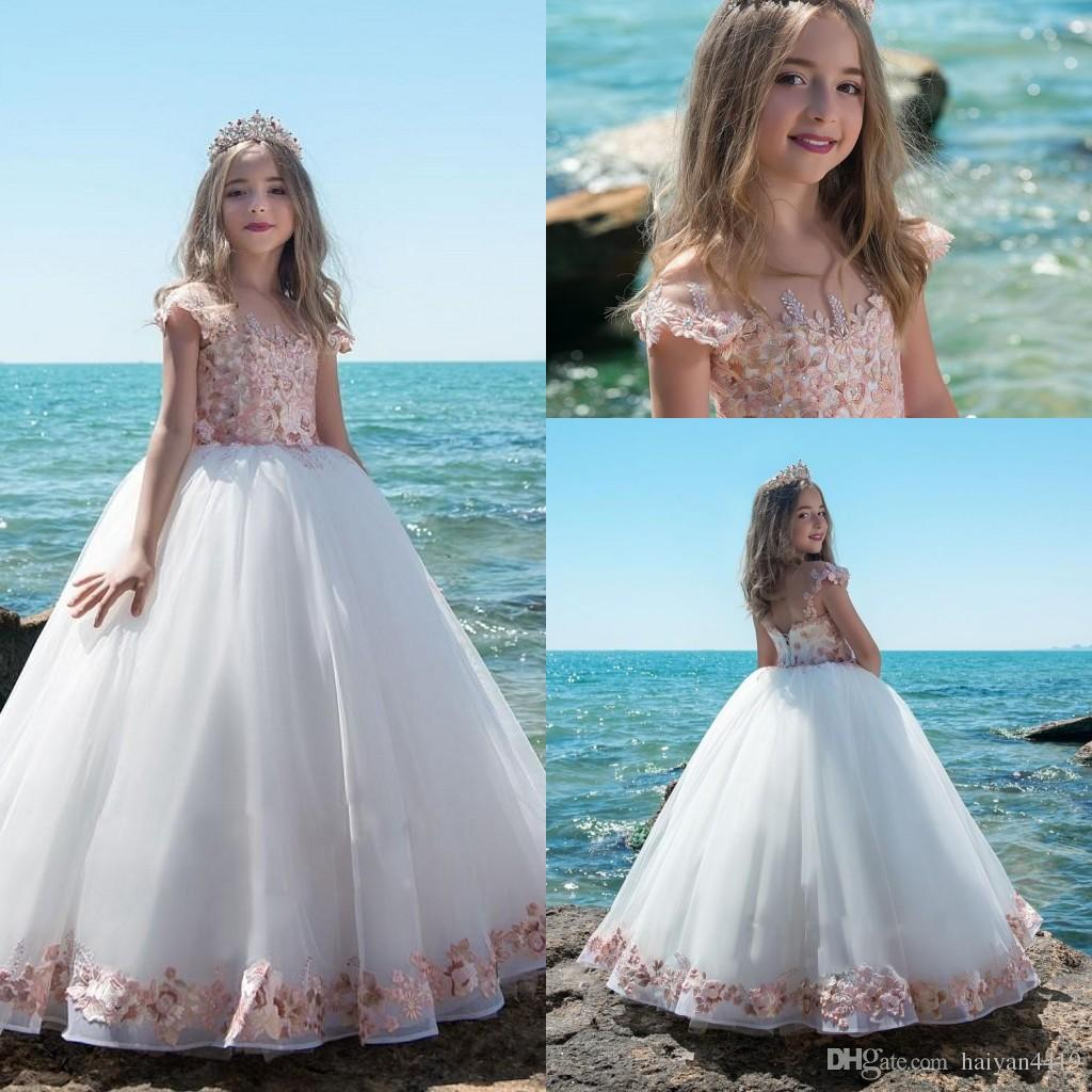 b2589487797f Acquista 2019 New Flower Girl Abiti Matrimoni Jewel Neck Cap Sleeves Pink  3D Fiori Floreali Litter Girls Pageant Dress Prom Bambini Abiti Da  Comunione A ...