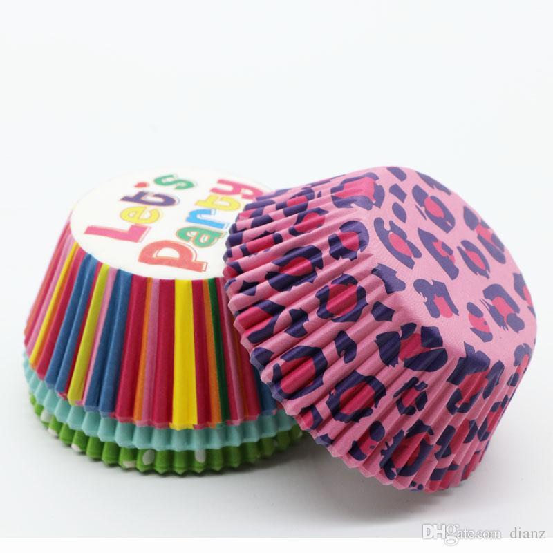 Bröllopsfestbakande koppar Cupcake liners muffinfall Papperskaka