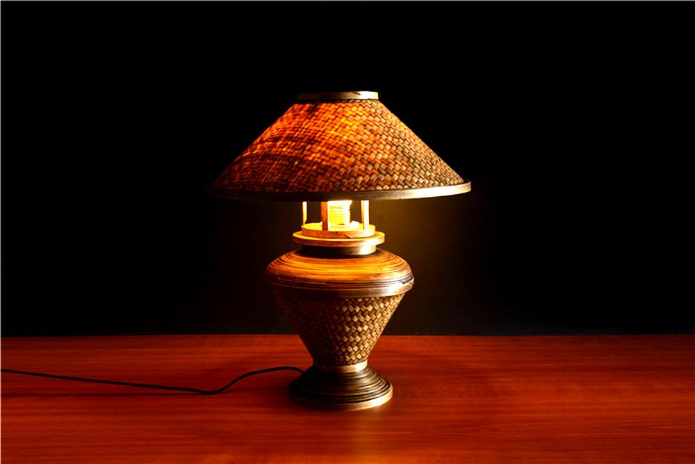 2018 Coffee T Desk Lamp Dimmable Bulb 220v Bedroom Bar Table Light Hand Knitted Southeast Asian Style Bamboo From Cornelius