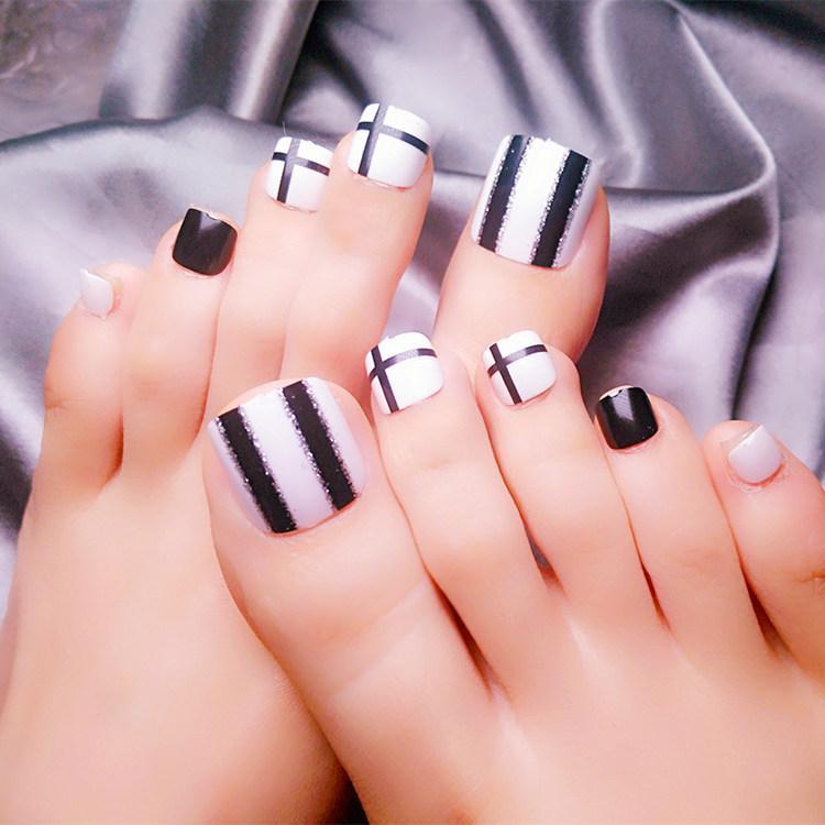 Fashion False Toe Nails Black White Stripes Foot Nail Art Full Cover ...