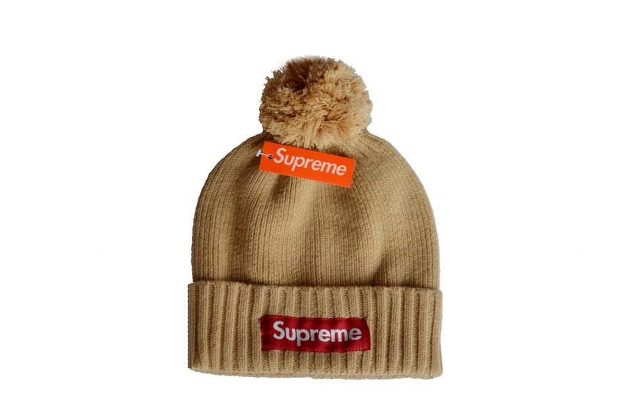 40948a38f86 2018 Cotton Sup Beane Team Football Pom Pom Beanies Men Women Winter Hats  With Pom Cheap Sports Skull Caps Hot Sale Women Hats Cool Beanies From  Godhat