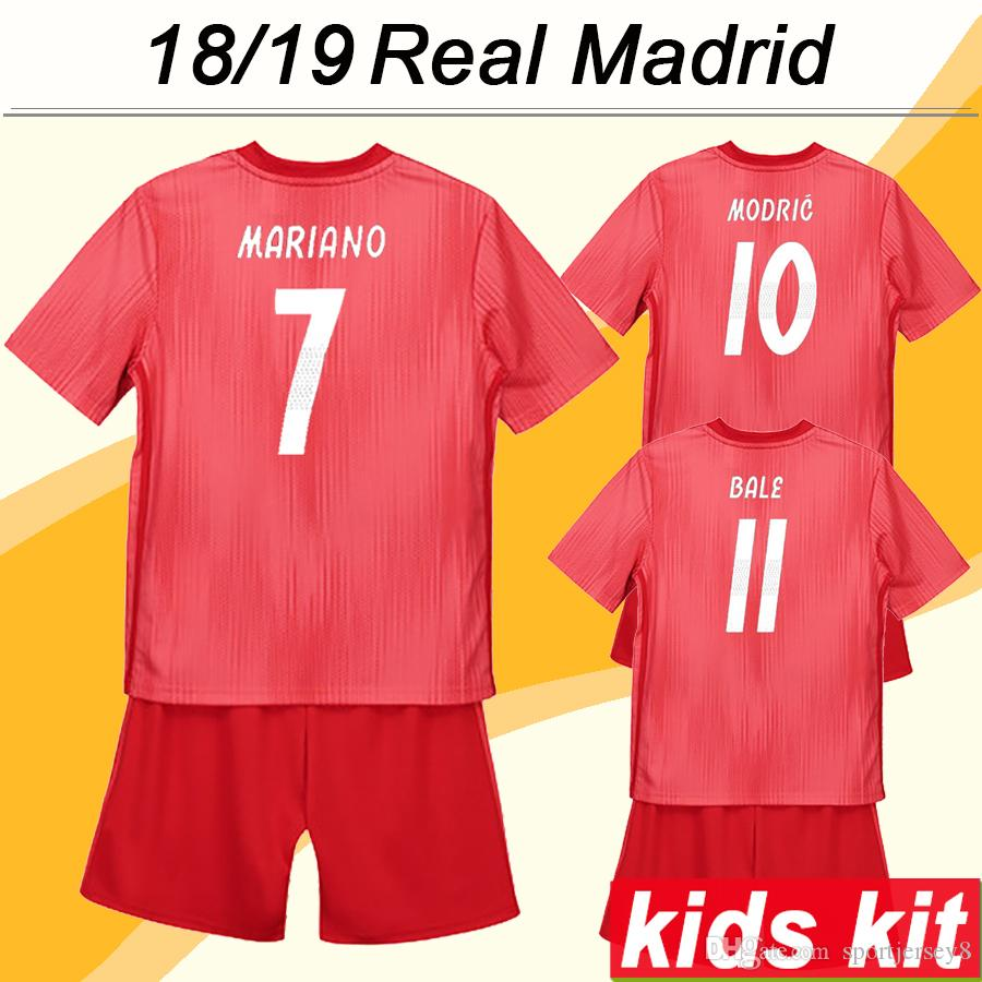 size 40 6b678 d5dba 2018 19 Real Madrid MODRIC Kids Football Kits SERGIIO RAMOS KROOS Child 3rd  Soccer Jerseys BENZEMA MARCELO ISCO Football Boy Girl kit Shirts