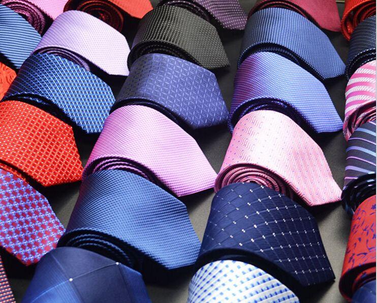 Mens Ties 새로운 브랜드 맨 패션 도트 스트라이프 넥타이 Hombre 8cm Gravata 와이드 넥타이 클래식 비즈니스 캐주얼 그린 넥타이 남성 MOQ