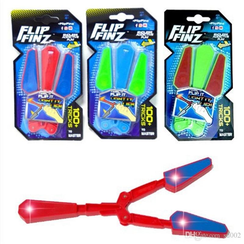 Fidget Spinner Essential Toys Flip Finz LED Light Up Luminous Plastic Flail Knife Toy Motion Rotation Decompression Butterfly Knifes Y