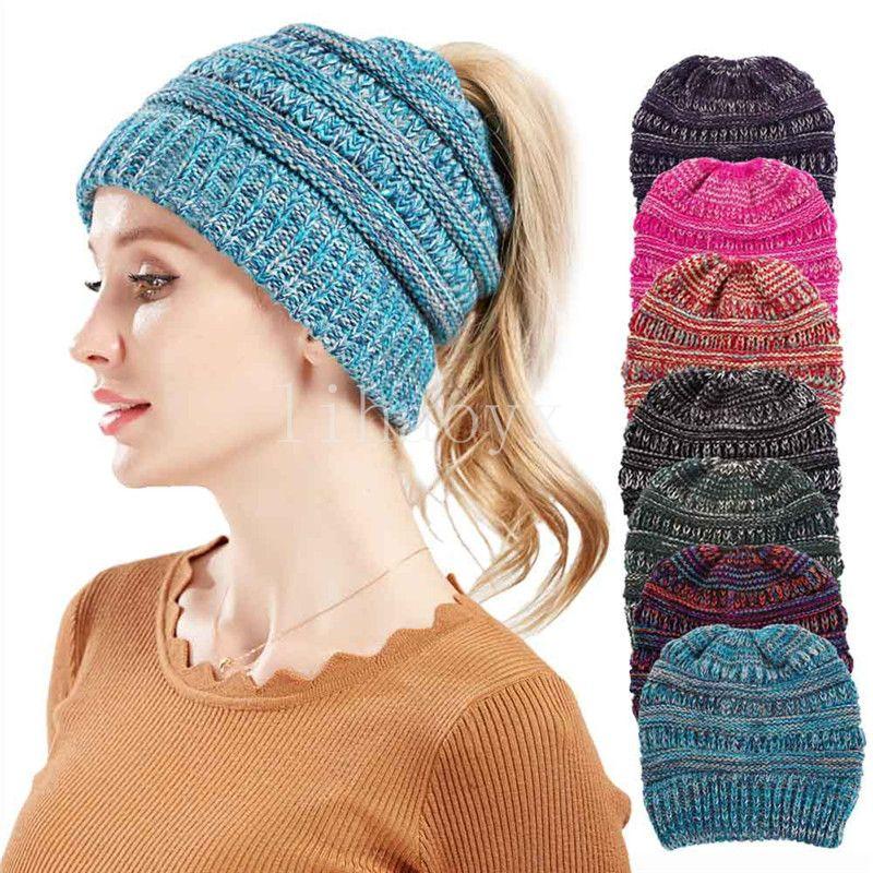 Compre Gorro De Cola De Caballo Para Mujer Crochet Beanie De Invierno  Skullies De Punto Gorro Caliente Para Las Señoras Colorido Bohemio Ponytail  Hat A ... 05a1b252772