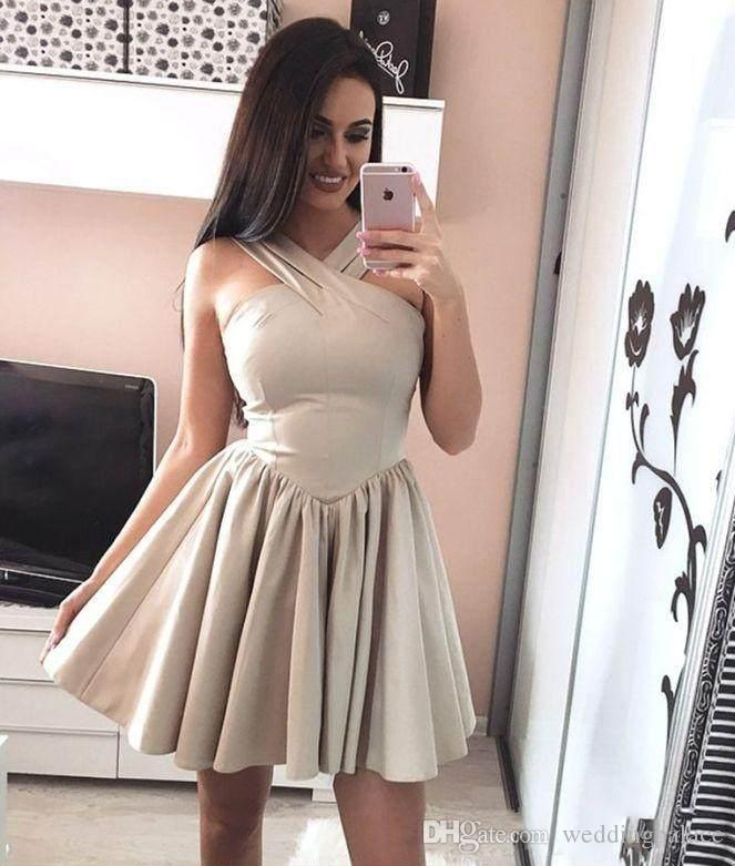2018 Newest Halter Neck Homecoming Dresses Short Prom Dresses Short Skirt Ruffles With Stones Party Dresses