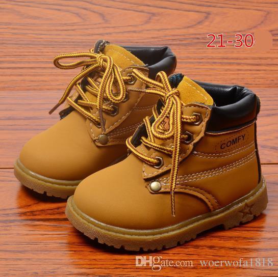 b56a117b5ba5fa Comfy Crianças Moda Inverno Botas de Neve de Couro de Criança Para Meninos  Das Meninas Quente Martin Botas Sapatos Casuais Sapatos de Pelúcia Da ...