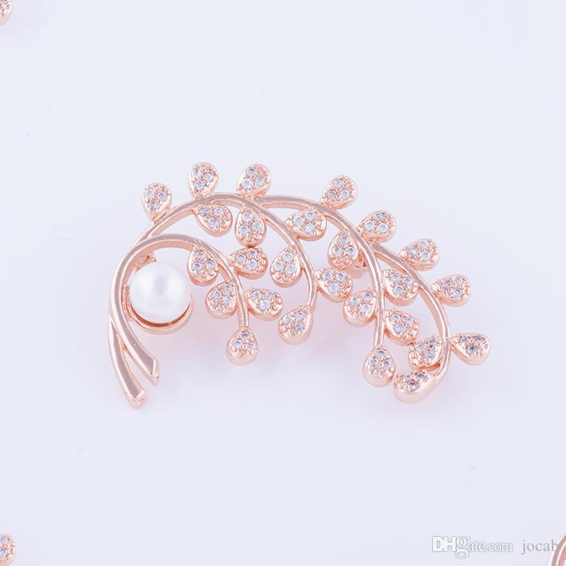 Wholesale 2018 Top Quality Elegant Fashion Cubic Zirconia Rhinestone Brooch Pins Pearl Flower Brooches Women Coat wedding party broches gift