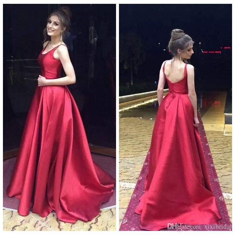 Vestidos de noche de raso rojo simple escote redondo sin mangas atractivo Backless una línea vestidos de baile Vestidos de fiesta barato