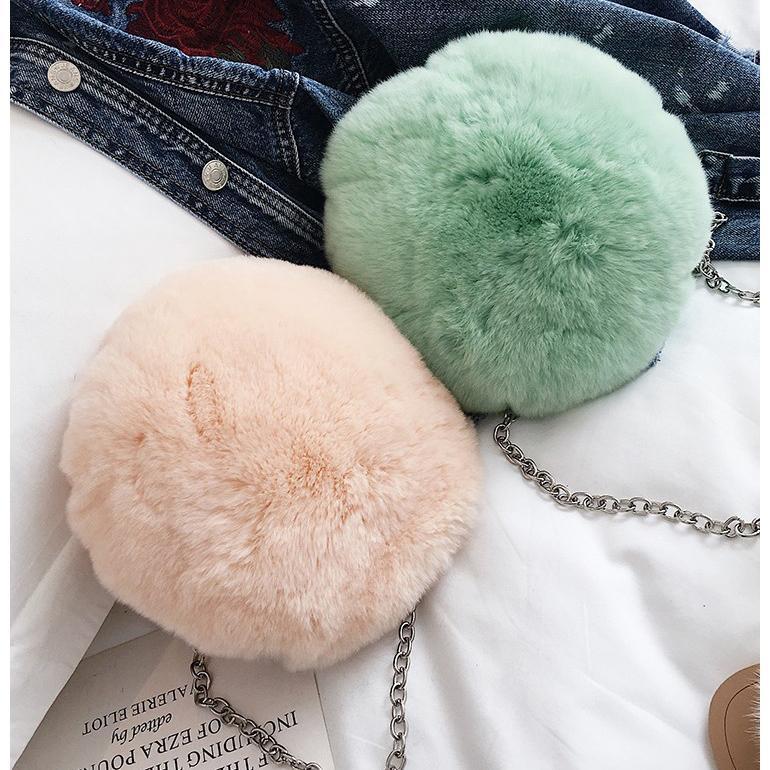 14f4ad8615 2017 Winter Faux Fur Round Women Soft Handbags Plush Women Chain Bags Purse  Cartoon Clutches Bag Girls Shoulder Bags Pouch Hobo Handbags From Shuiyong
