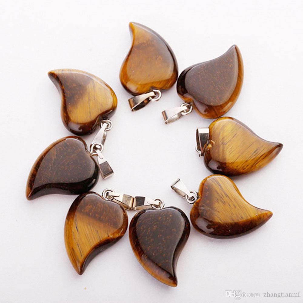 Hot Lovely Crooked Love Colgantes de piedra en forma de corazón Cristal de cuarzo mezclado Healing Charms Colgante para la joyería que hace el collar Pendientes gratis