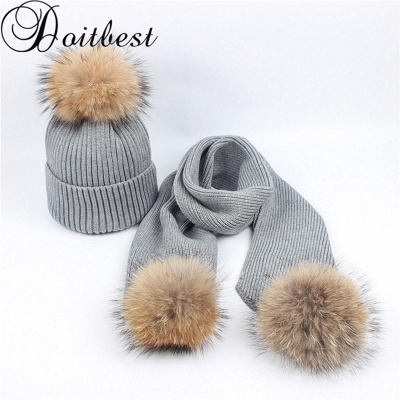 Compre Doitbest Sombrero De Invierno De Piel De Mapache Real Para Mujeres  Niñas Sombreros De Pompones Gorros De Punto Para Mujer Pom Pom Bufanda  Conjunto De ... 47a75154fd9