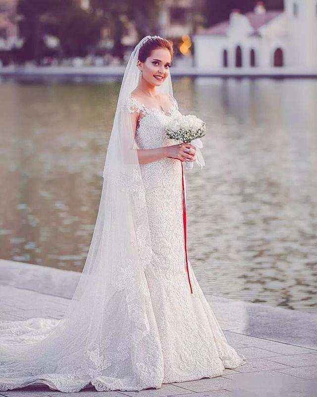 Robes De Mariée Sirène Romantique Blanc Ivoire Dentelle Cap Manches Appliques 3D Flora Robe De Mariée Robes De Mariée De Plancher Robes Sur Mesure