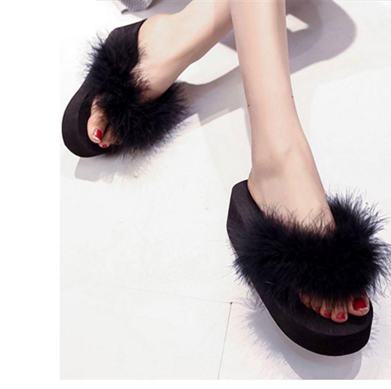 Acheter Chaussures D été Femmes Fourrure Sandales Compensées Tongs  Plateforme Pantoufle Femme Diapositives Plage Décontracté Chaussures Pas  Cher Superstar ... fa69506dfdb5