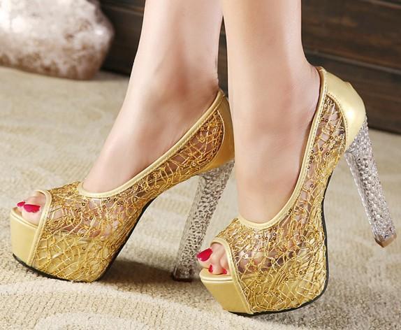 bc381ab0b Sapatos Para Festa De Casamento Chegam Novas 2019 Hot Vender Sapatos  Vestido De Cristal Princesa Lantejoulas Sapatos Festa À Noite Sapatos De  Noiva De ...