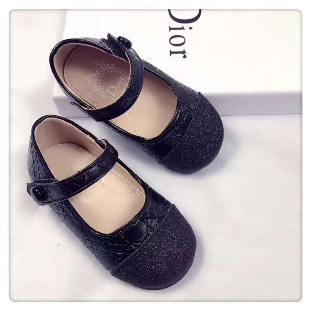 43d6670e491 Acheter Un Bébé En Bas Âge Chaussures Fille Chaussures Commencer  Confortable Filles Bébé Sneakers Enfant Toddler Chaussures Et Est Quelque  Chose De Brillant ...