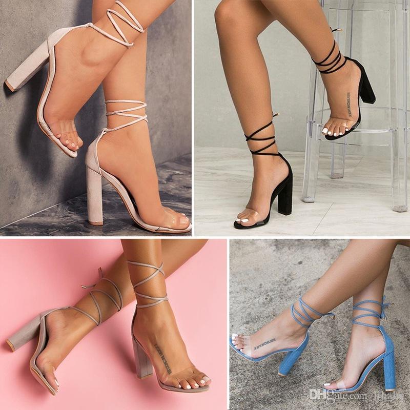 2018 Sapatos elegantes e nobres para mulher Sapatos com tiras de salto alto e tiras explosivas Sexy transparente Grande tamanho Sapatos de salto alto Dedos abertos Bombas grossas