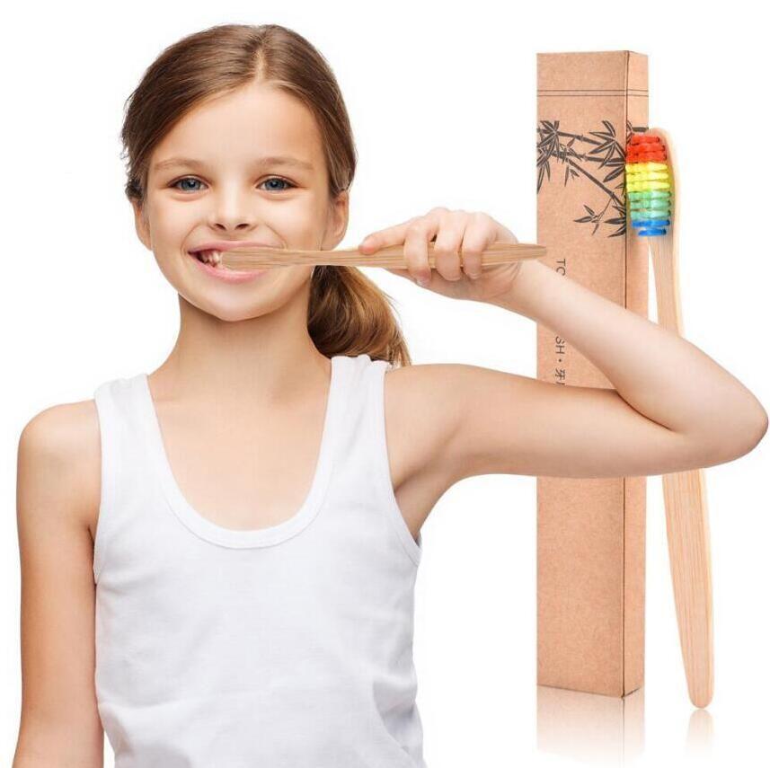 Doğal Bambu Renkli Yumuşak Diş Fırçası Dil Temizleyicisi Protez Diş Bambu Kömür Diş Fırçası Seyahat Seti Diş Fırçası Kişiselleştirilmiş