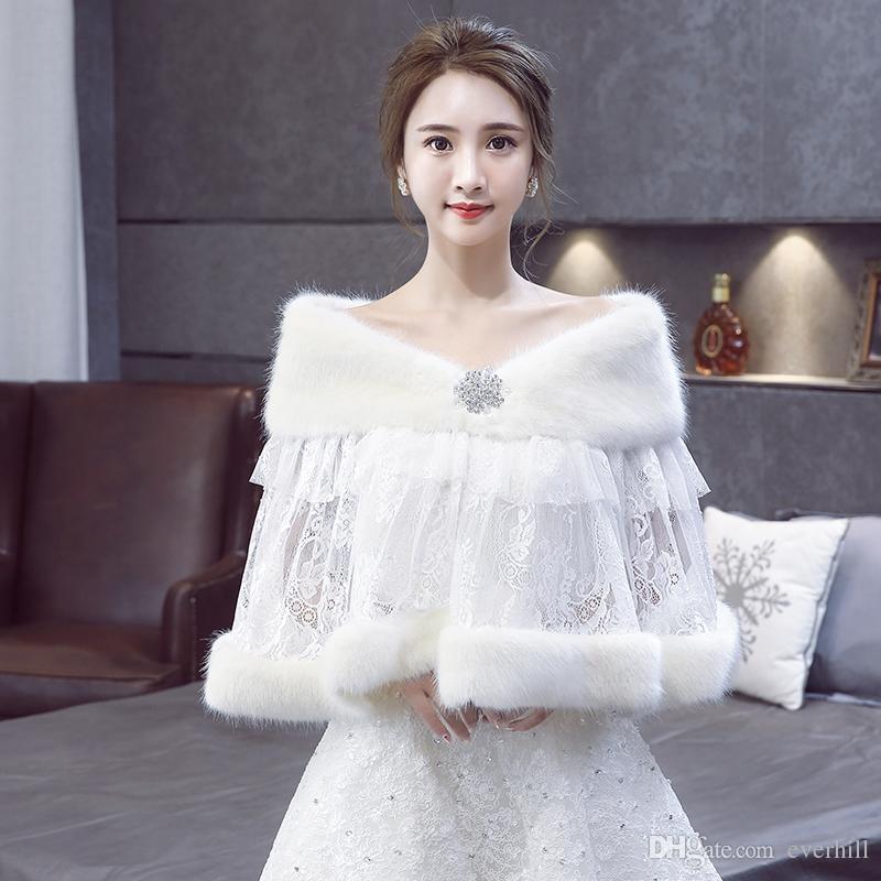 2018 Elegant Faux Fur Shawls and Wraps Bridal Lace Wedding Jacket Beaded Winter Shoulder Capes Stoles Bolero Mariage Wedding Accessories