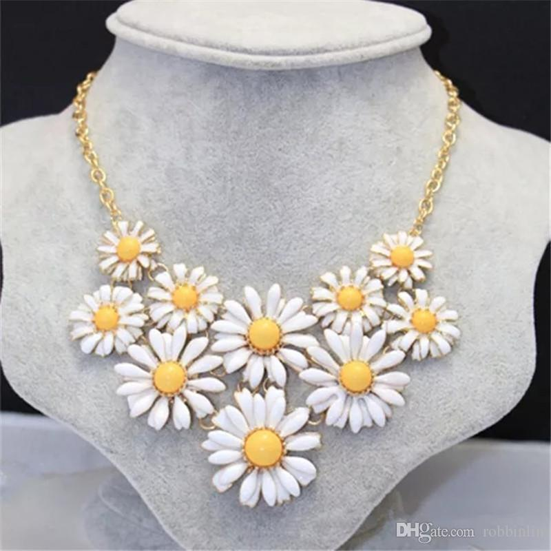 2019 Chunky Alloy Statement Necklace Large Bling Costume Jewelry Big  Necklace For Women Fashion Jewelry Necklaces From Robbinlin 5be7fb9d3f73