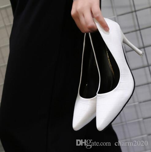 Spring and Autumn New Style with Professional Tips Medium Lady Leather Work Shoes Women's Black High-heeled Shoes ol LEIKUAN