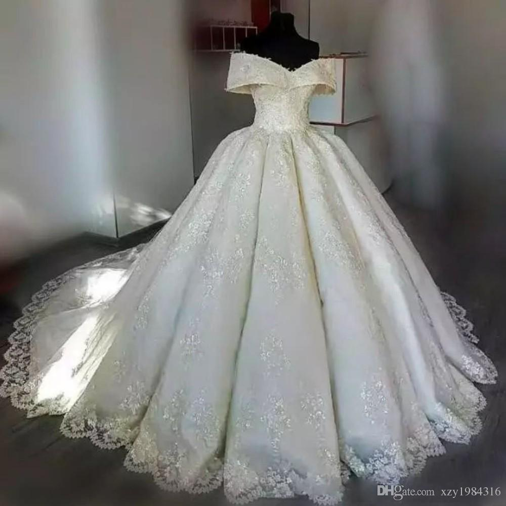 Fora Do Ombro Vestidos de Casamento Completa Applique Lace Vestido de Baile Sem Mangas Conde Trem Vestidos De Casamento Custom Made Couture Vestido De Noiva De Tule