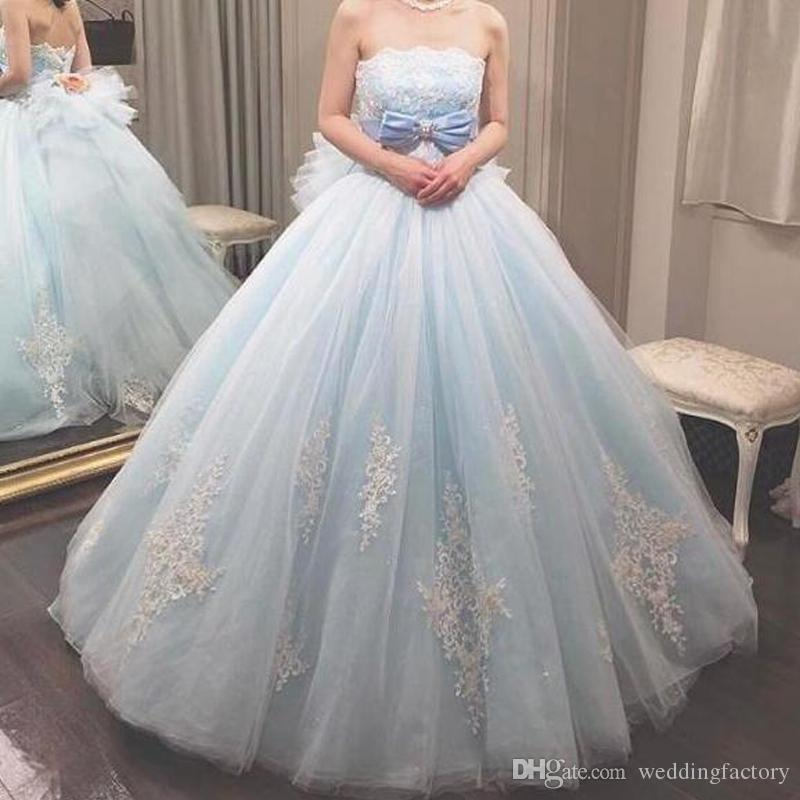 2019 Gorgeous Quinceanera Dresses Ball Gown Strapless Beaded Sequins Lace Appliques Soft Tulle Prom Party Gowns Bow Handmade Flower