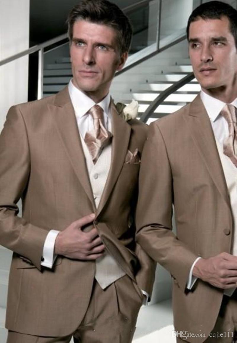 Nuevo diseño marrón claro esmoquin novio padrinos de boda solapa mejores trajes de hombre trajes de chaqueta de boda para hombre chaqueta + pantalones + chaleco + corbata 26
