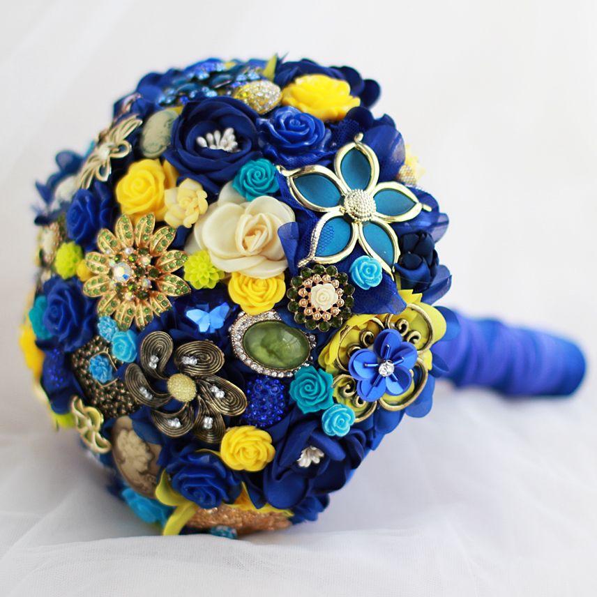La boda europea de encargo que sostiene la flor azul de la seda se levantó el broche nupcial de la joyería del diamante del oro