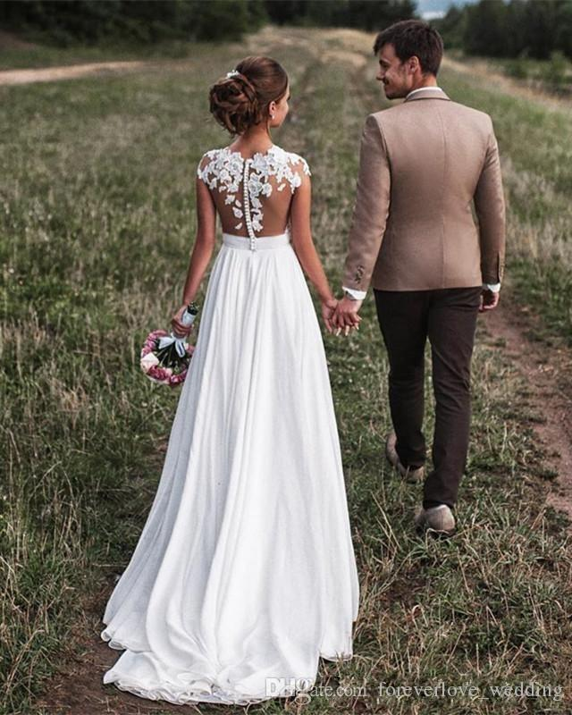 2018 Cuello escarpado Estilo rural Vestidos de novia Vestidos A-Line Ilusión Encaje Gorra Manga Barrido Tren Gasa Boho Playa Vestidos de novia