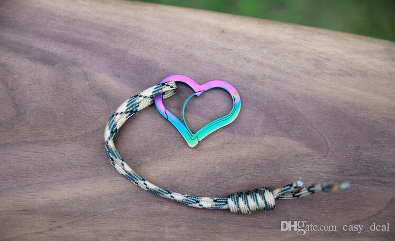 All'aperto a forma di cuore moschettone arrampicata keychain clip d fibbia moschettoni gancio gear fibbie spedizione gratuita qw6990