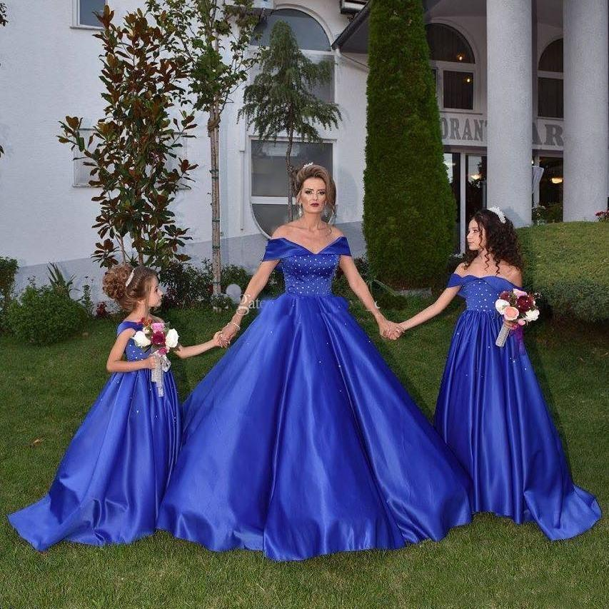 2018 Off Shoulder Royal Blue Mother And Daughter Prom Evening Dresses A Line Off Shoulder Beaded Satin Plus Size Formal Gowns