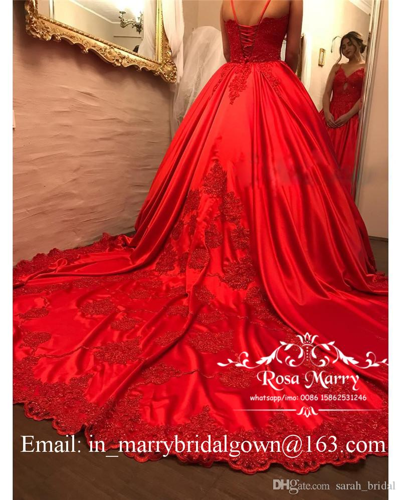 Princess Red Ball Gown Quinceanera Prom Dresses 2020 Vintage Lace Keyhole Neck Plus Size Long Satin Formal Celebrity Evening Party Gowns