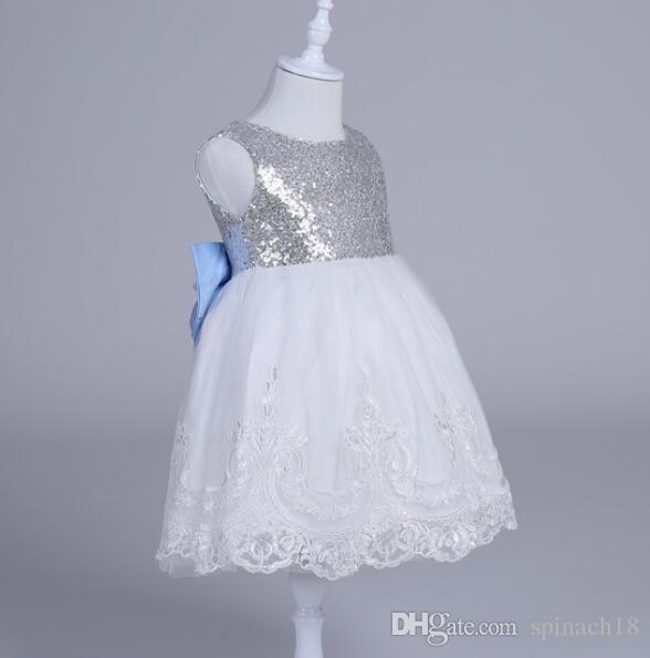 Ins Baby Girls Party Dress Bambini Paillettes Bowknot Pizzo Tulle Tutu Ball Gown Principessa Abiti eleganti Abbigliamento bambini