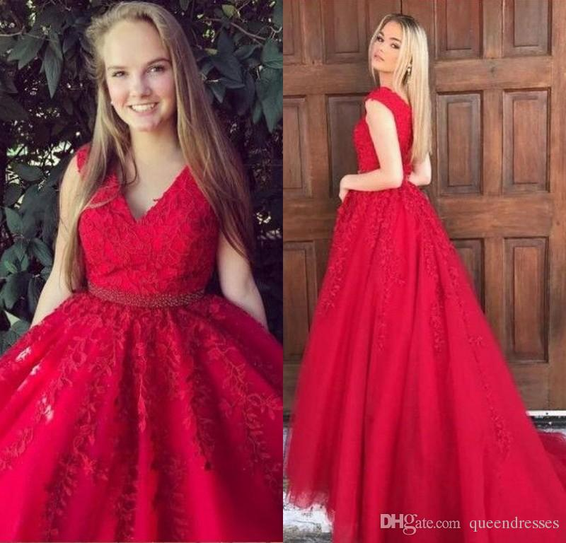 Sheer Red Long Evening Dresses Lace A Line V Neck Sweep Train Evening Gowns Formal Women Special Occasion Prom Dresses With Beading Kleider