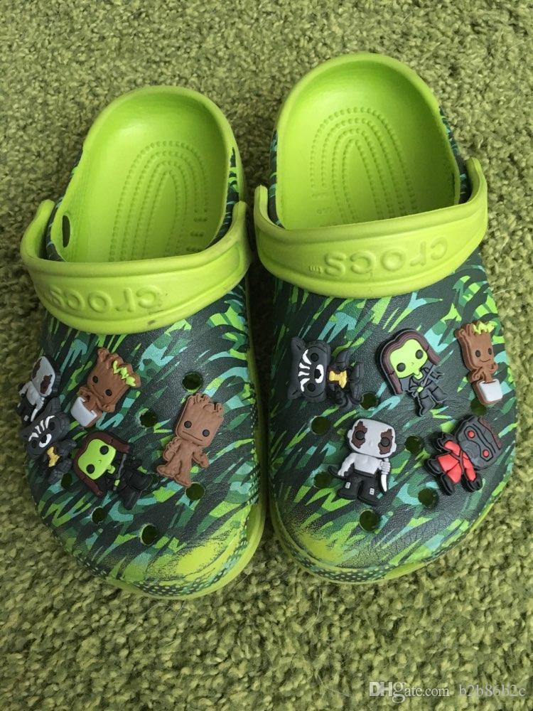 Avenger Unicorns Números Alfabeto PVC Sapato Encantos Fivelas Fit Croc ShoesWristbands Acessórios de Moda Crianças Xmas Party Presente