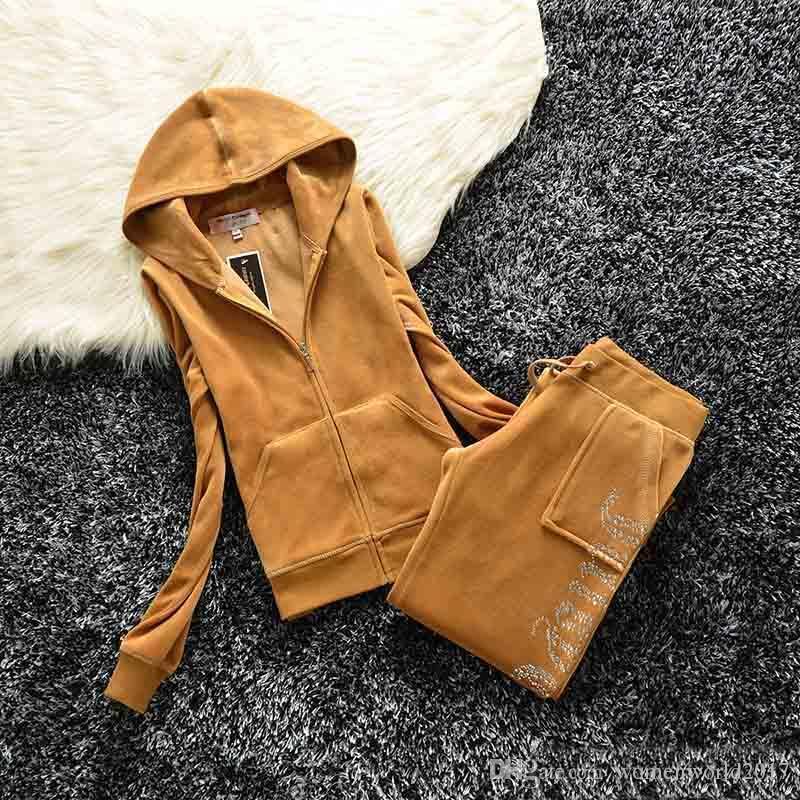 Primavera / otoño 2018 marca para mujer de tela de terciopelo chándales traje de terciopelo mujeres traje de atuendo con capucha y pantalones fat hermana ropa deportiva