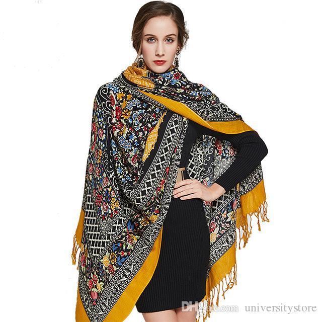 Acheter Foulards En Laine Carrés Étoles Femmes Chaud Châle Bandana Écharpe  De Luxe Hijab Couverture De Plage Visage Bouclier Hiver Poncho De  36.19 Du  ... f986092b7389