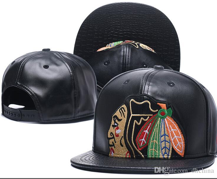 Compre Nuevas Gorras Blackhawks Hockey Snapback Sombreros De Cuero Gorra De  Color Negro Fútbol Equipo De Béisbol Sombreros Combinar Combate Ordenar  Todas ... 545b5480ded