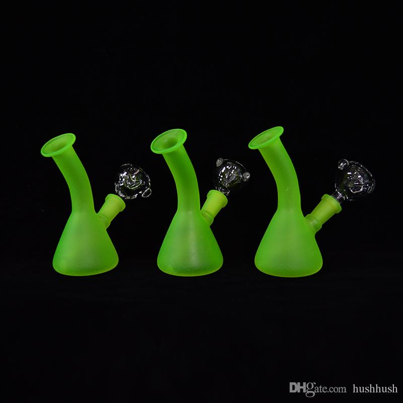 Glass Beaker Bongs Glow in the Dark Dab Rig Cheap Mini Luminous Oil Rigs 4.13inch Water Bong Pipes Bubbler Frosted Hookah 10mm Pipe Downstem