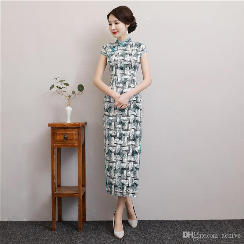 2020 Seksi İpek Çinli Cheongsam'lar Uzun Baskılı Yüksek Boyun Bölünmüş Kılıf Parti Örgün törenlerinde Vintage Kadınlar Şık Cheongsam Elbiseler