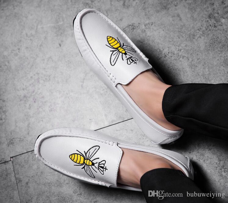 Rubber bottom bees, embroidered loafers, male Korean version of the shoe, flat bottom driving casual shoes.37-44n97
