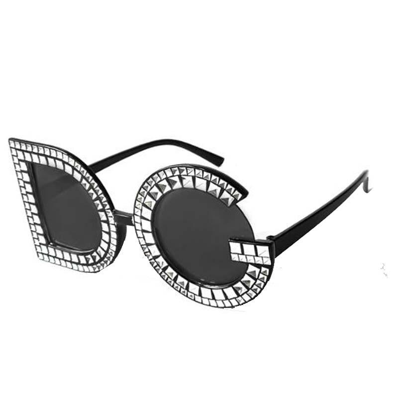 Compre New Luxury Itália Diamante Óculos De Sol Mulheres Design Da Marca  2018 D Personalidade G Sol De Vidro Para As Mulheres Do Sexo Feminino  Senhora ... 9797a717d4