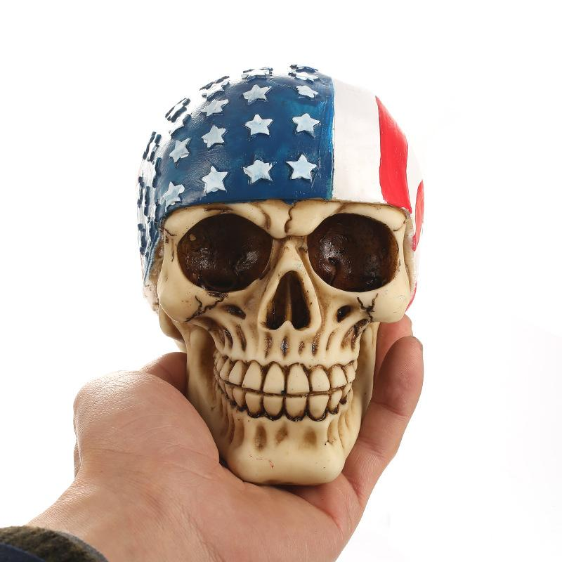 Novelty Craftmanship Resin Skull Halloween Gift Personality Ornaments Home Accessories Skull With American Flag Head Scarf Home Decor