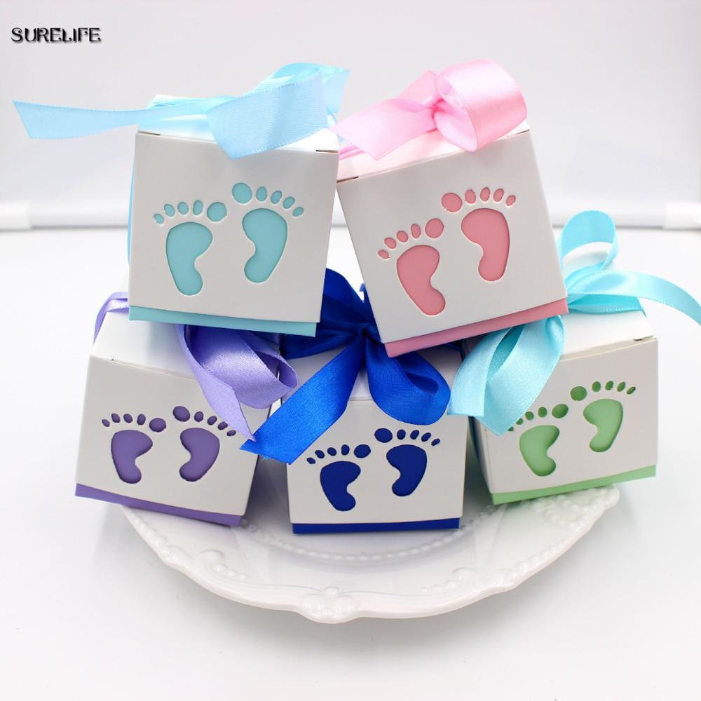 50pcs Baby Footprint Laser Cut Out Candy Box Baby Shower Bomboniere Regalo Scatole di carta Forniture per feste di compleanno per bambini rosa blu