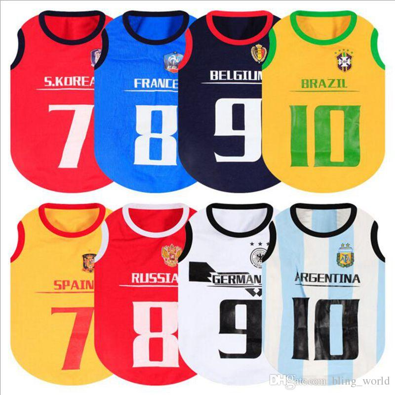 Compre Copa Del Mundo Cachorro Perro Chaleco Perro Pequeño Deporte Camiseta  De Fútbol Algodón Verano Perro Ropa 8 Diseños YW650 A  1.53 Del Bling world  ... fc84291fc991a