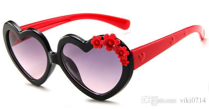 Compre Crianças Cartoon Amor Óculos De Sol Lindos Óculos De Cor, Moda Bebê  Óculos De Sol, Óculos De Sol Decorativos. De Viki0714,  3.05   Pt.Dhgate.Com 43cebe3989